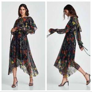 NWT. Zara Shiny Print Pleaded Dress. Size M.